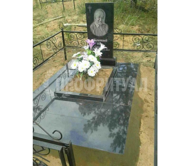 Памятник на могилу цена с установкой йошкар ола надгробные памятники фото и цена мрамор екатеринбург